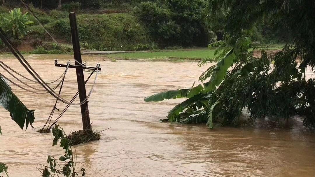 紧急告急!广东海南多地被淹!台山、阳江数万亩鱼虾塘尽毁!大风大雨持续,又有新台风生成……